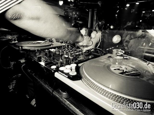 https://www.gaesteliste030.de/Partyfoto #43 Maxxim Berlin vom 12.12.2011