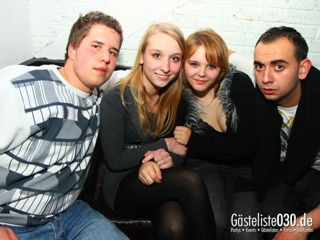 https://www.gaesteliste030.de/Partyfoto #138 Q-Dorf Berlin vom 17.12.2011