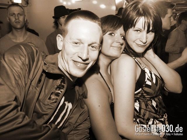 https://www.gaesteliste030.de/Partyfoto #68 Q-Dorf Berlin vom 04.01.2012