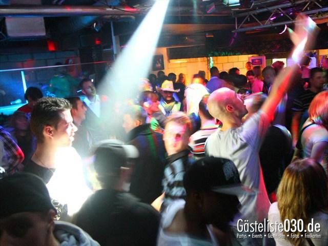https://www.gaesteliste030.de/Partyfoto #82 Q-Dorf Berlin vom 17.12.2011