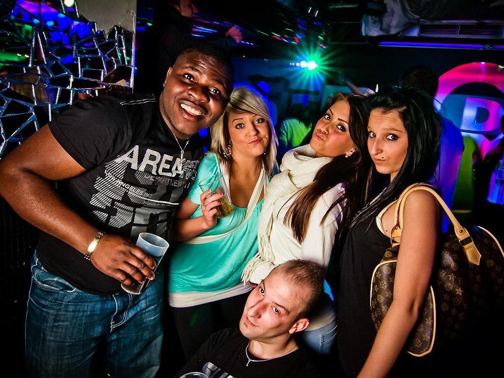 Partyfoto #48 Q-Dorf 07.02.2012 Black Attack