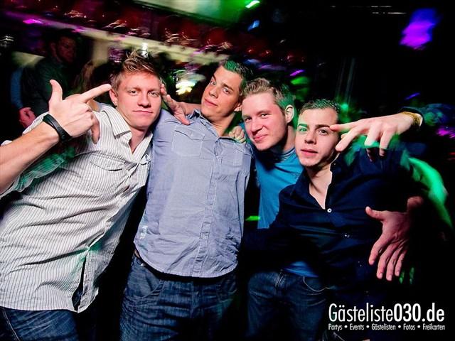 https://www.gaesteliste030.de/Partyfoto #30 Maxxim Berlin vom 12.12.2011