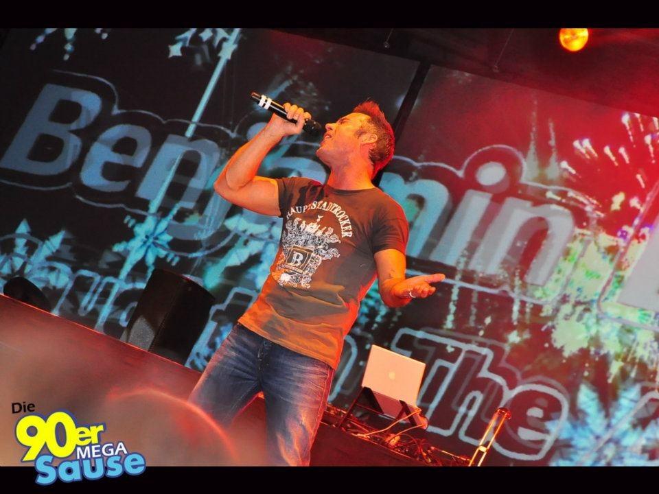 Partyfoto #49 Velodrom 04.02.2012 Teil II: Die 90er MEGA Sause mit Haddaway *live* und Benjamin Boyce *live*