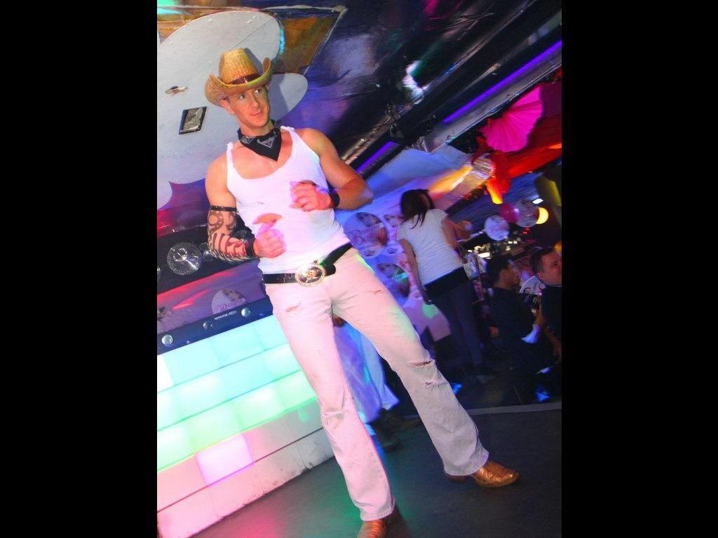 Partyfoto #76 Q-Dorf 27.01.2012 BABY