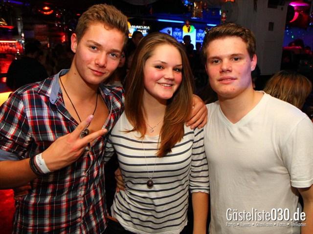 https://www.gaesteliste030.de/Partyfoto #234 Q-Dorf Berlin vom 28.12.2011