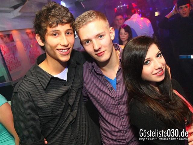 https://www.gaesteliste030.de/Partyfoto #78 Q-Dorf Berlin vom 17.12.2011