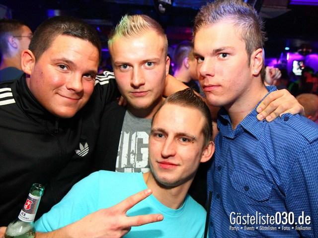 https://www.gaesteliste030.de/Partyfoto #141 Q-Dorf Berlin vom 10.12.2011