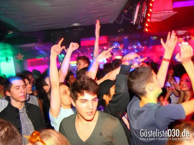 https://www.gaesteliste030.de/Partyfoto #196 Q-Dorf Berlin vom 28.12.2011