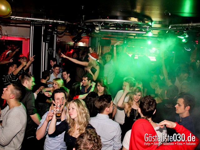 https://www.gaesteliste030.de/Partyfoto #44 Maxxim Berlin vom 23.12.2011