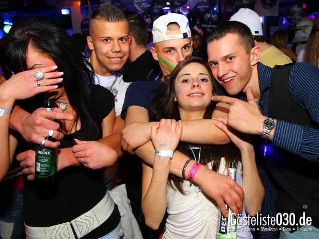 https://www.gaesteliste030.de/Partyfoto #231 Q-Dorf Berlin vom 10.12.2011