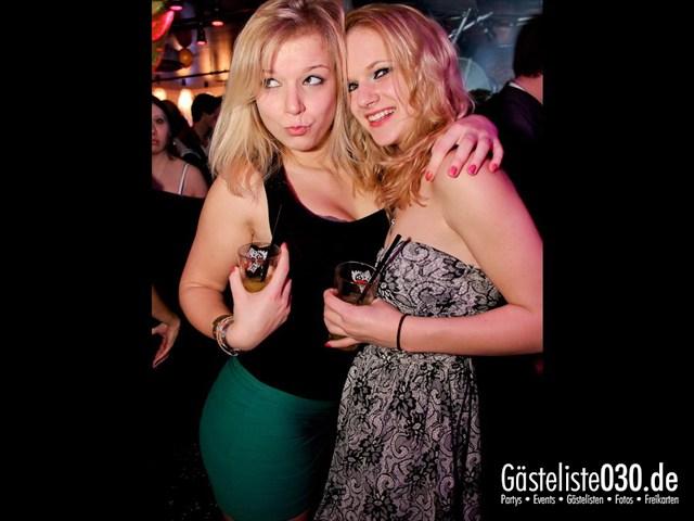 https://www.gaesteliste030.de/Partyfoto #122 Maxxim Berlin vom 16.12.2011