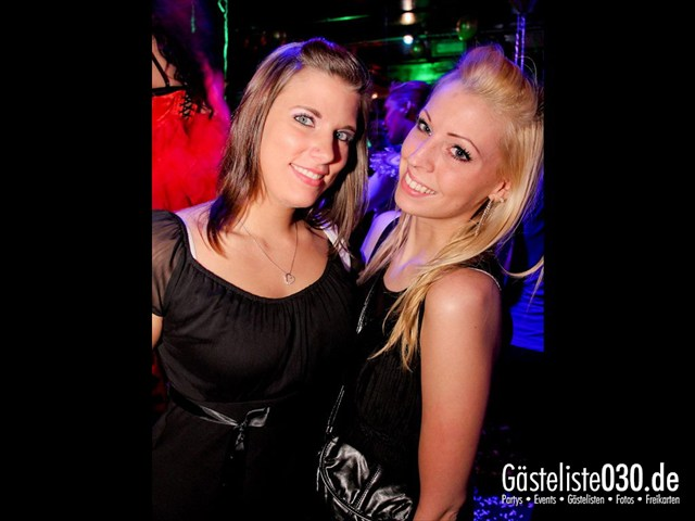 https://www.gaesteliste030.de/Partyfoto #41 Maxxim Berlin vom 09.12.2011