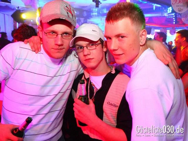 https://www.gaesteliste030.de/Partyfoto #104 Q-Dorf Berlin vom 27.01.2012
