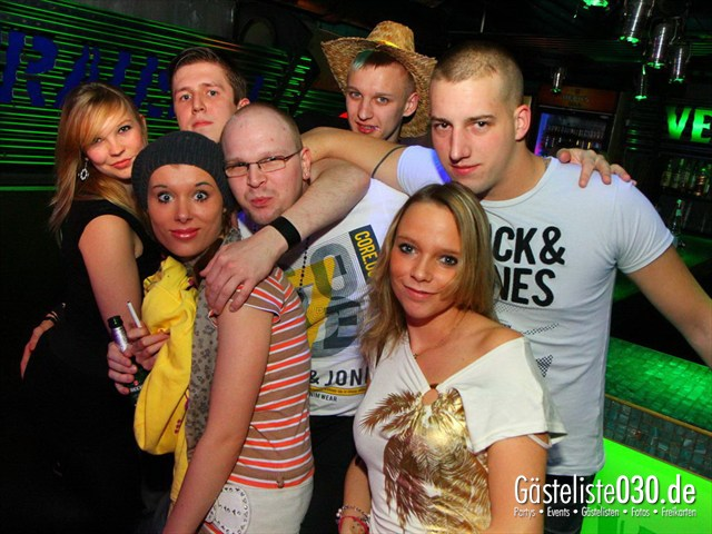 https://www.gaesteliste030.de/Partyfoto #186 Q-Dorf Berlin vom 16.12.2011