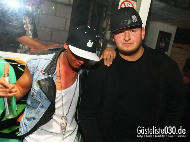 https://www.gaesteliste030.de/Partyfoto #172 Q-Dorf Berlin vom 16.12.2011