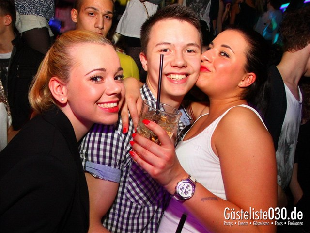 https://www.gaesteliste030.de/Partyfoto #139 Q-Dorf Berlin vom 04.04.2012