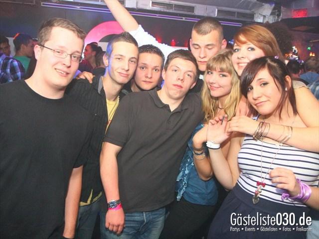 https://www.gaesteliste030.de/Partyfoto #216 Q-Dorf Berlin vom 10.12.2011