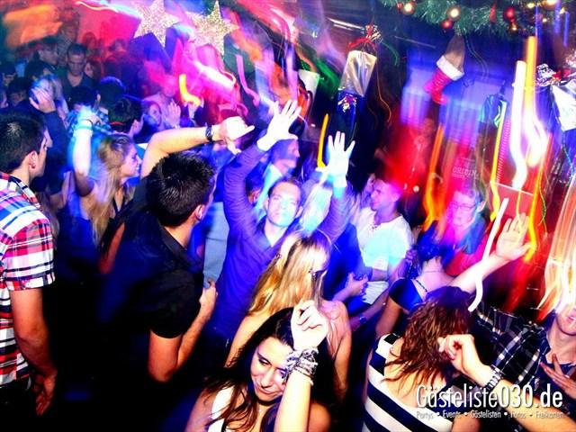 https://www.gaesteliste030.de/Partyfoto #120 Maxxim Berlin vom 29.12.2011