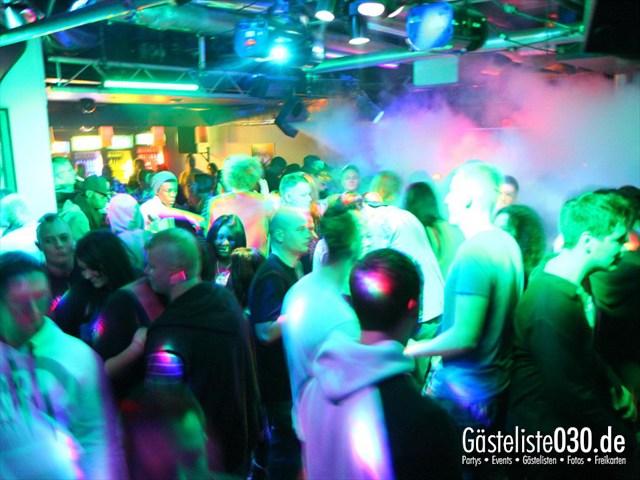 https://www.gaesteliste030.de/Partyfoto #230 Q-Dorf Berlin vom 10.12.2011
