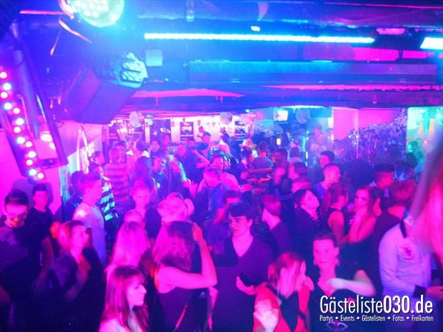 https://www.gaesteliste030.de/Partyfoto #190 Q-Dorf Berlin vom 16.12.2011