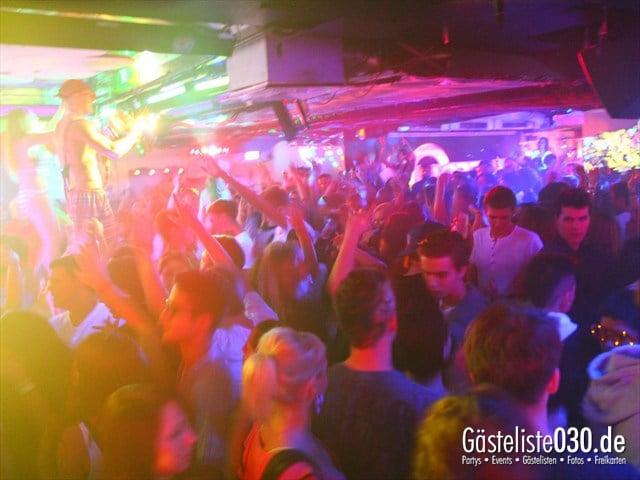 https://www.gaesteliste030.de/Partyfoto #216 Q-Dorf Berlin vom 28.12.2011