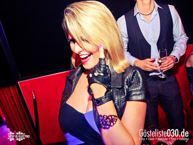 https://www.gaesteliste030.de/Partyfoto #108 China Lounge Berlin vom 16.12.2011