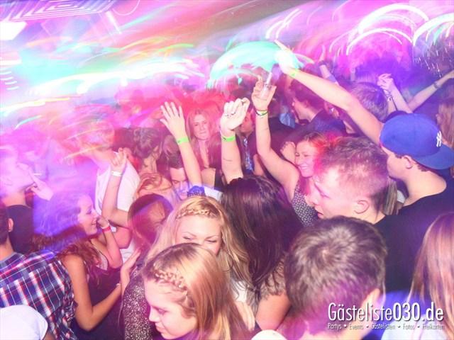 https://www.gaesteliste030.de/Partyfoto #194 Q-Dorf Berlin vom 28.12.2011