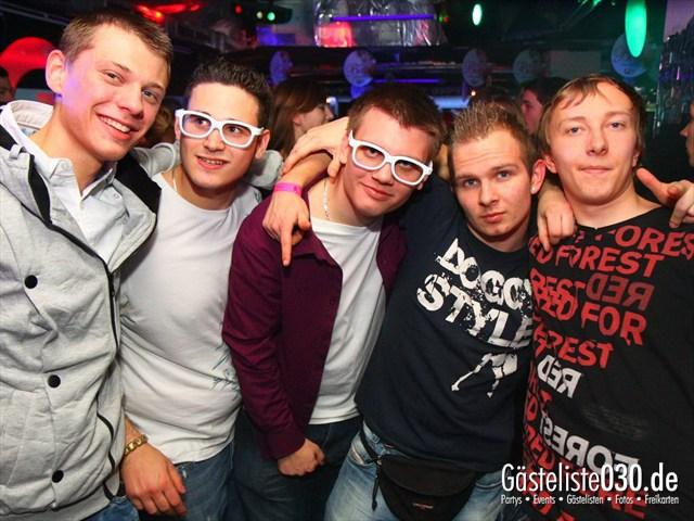 https://www.gaesteliste030.de/Partyfoto #199 Q-Dorf Berlin vom 16.12.2011