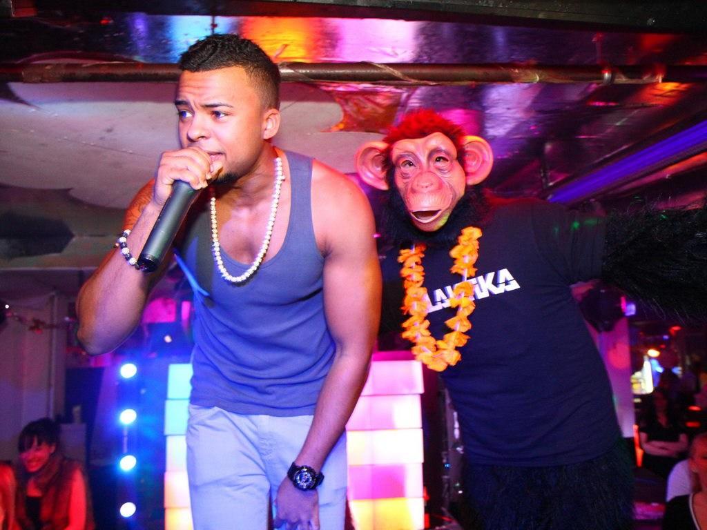 Partyfoto #75 Q-Dorf 13.01.2012 BABY pres. BARRY TIGER