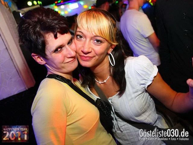 https://www.gaesteliste030.de/Partyfoto #100 Q-Dorf Berlin vom 31.12.2011