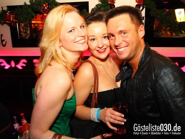 https://www.gaesteliste030.de/Partyfoto #132 Maxxim Berlin vom 29.12.2011