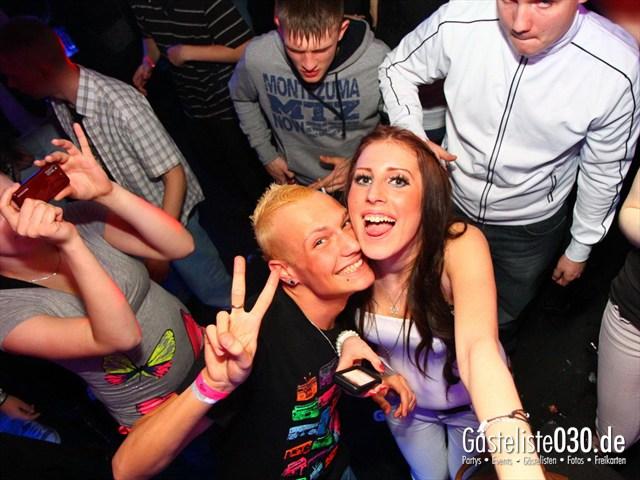 https://www.gaesteliste030.de/Partyfoto #189 Q-Dorf Berlin vom 17.12.2011