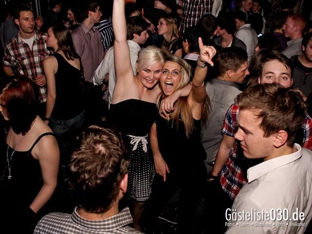 https://www.gaesteliste030.de/Partyfoto #38 Maxxim Berlin vom 16.12.2011