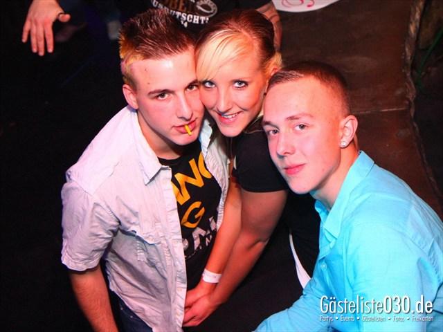 https://www.gaesteliste030.de/Partyfoto #168 Q-Dorf Berlin vom 09.12.2011