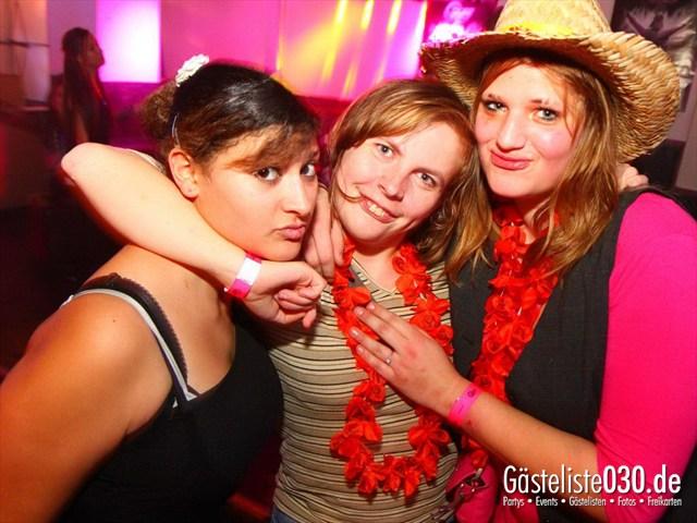https://www.gaesteliste030.de/Partyfoto #203 Q-Dorf Berlin vom 16.12.2011