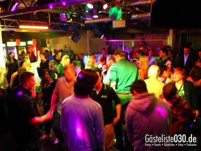 https://www.gaesteliste030.de/Partyfoto #201 Q-Dorf Berlin vom 09.12.2011
