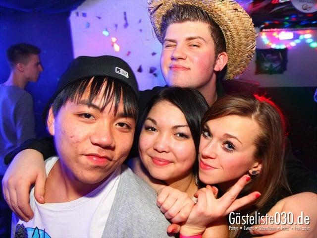 https://www.gaesteliste030.de/Partyfoto #205 Q-Dorf Berlin vom 16.12.2011
