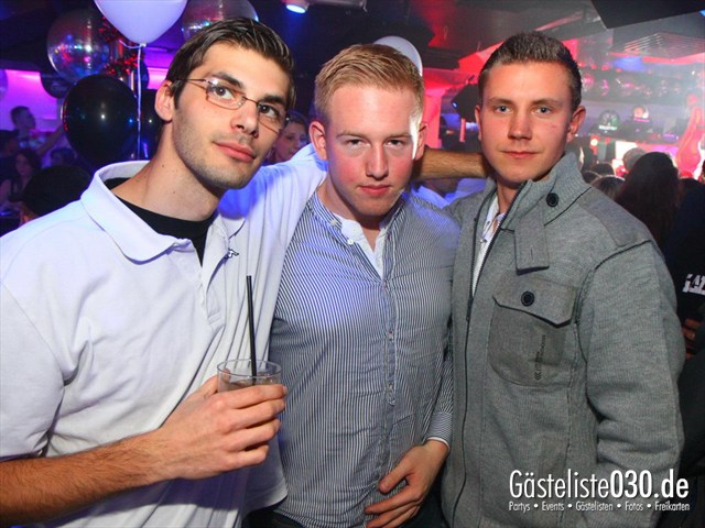 https://www.gaesteliste030.de/Partyfoto #108 Q-Dorf Berlin vom 10.12.2011