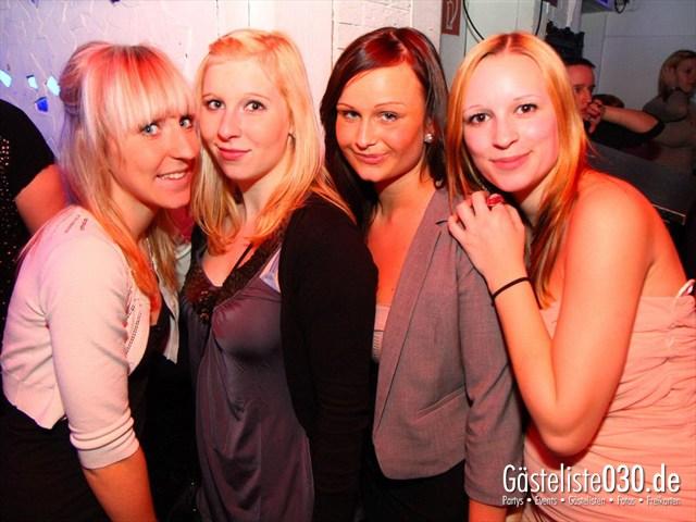 https://www.gaesteliste030.de/Partyfoto #136 Q-Dorf Berlin vom 28.12.2011