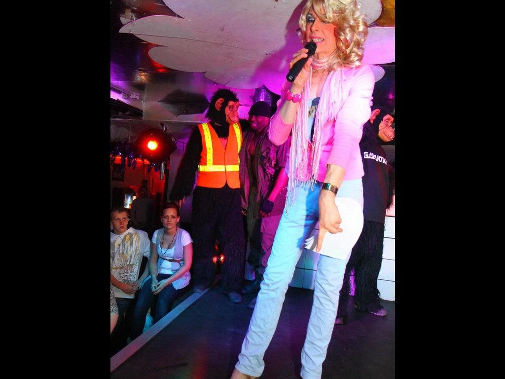 Partyfoto #48 Q-Dorf 10.02.2012 Pink