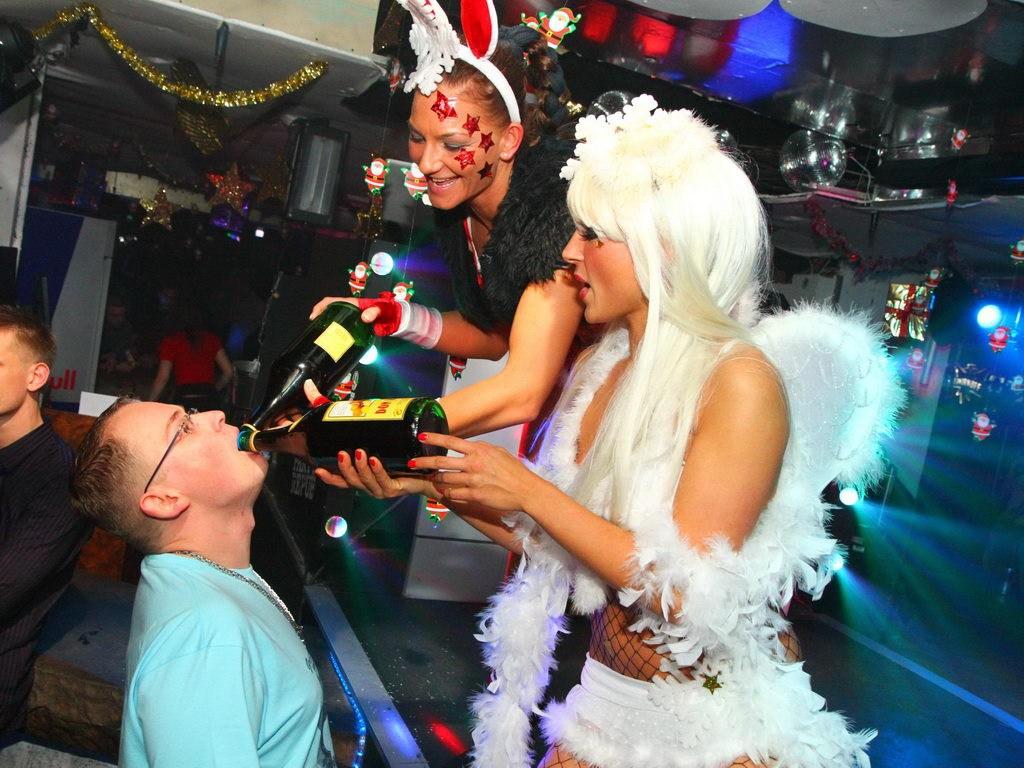 Partyfoto #50 Q-Dorf 24.12.2011 X - MAX GALAKTIKA