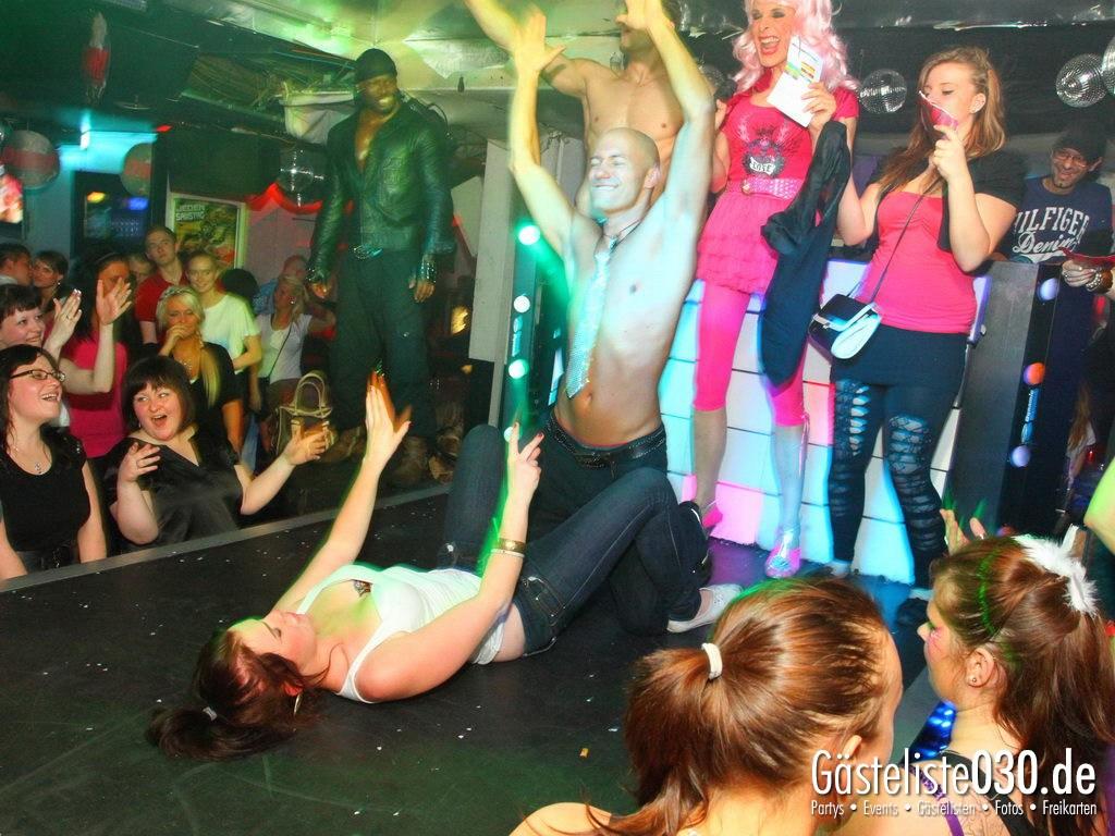 Partyfoto #48 Q-Dorf 04.05.2012 Pink!