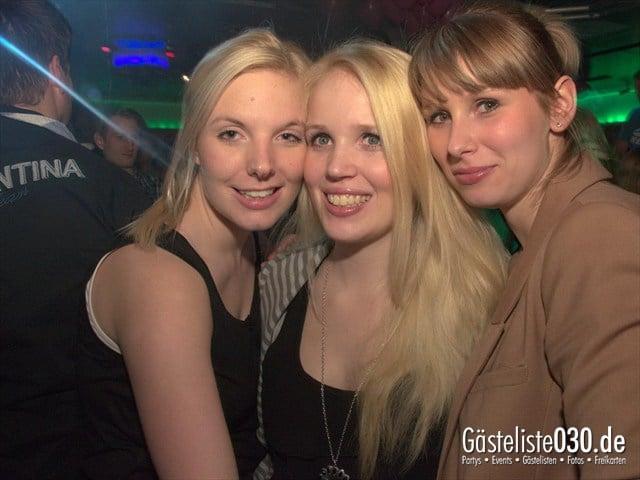 https://www.gaesteliste030.de/Partyfoto #92 Maxxim Berlin vom 10.12.2011