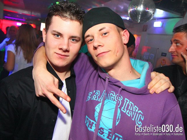 https://www.gaesteliste030.de/Partyfoto #49 Q-Dorf Berlin vom 14.12.2011