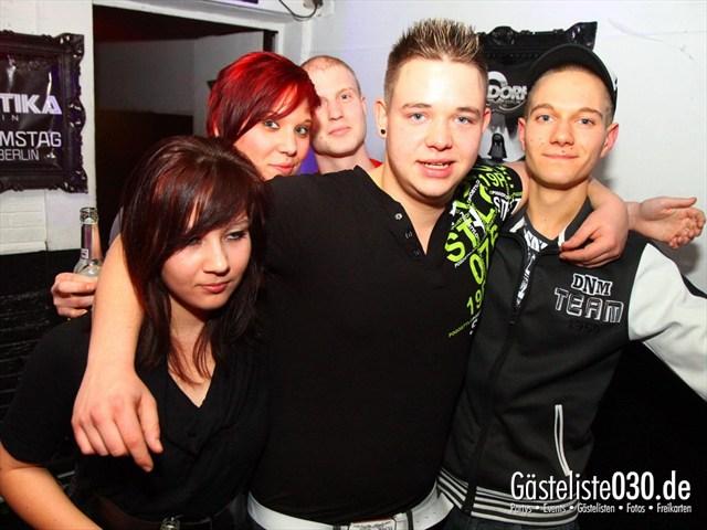 https://www.gaesteliste030.de/Partyfoto #152 Q-Dorf Berlin vom 10.12.2011