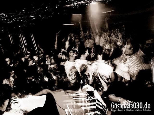 https://www.gaesteliste030.de/Partyfoto #112 Maxxim Berlin vom 02.01.2012
