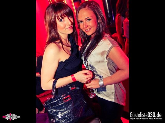 https://www.gaesteliste030.de/Partyfoto #140 China Lounge Berlin vom 16.12.2011