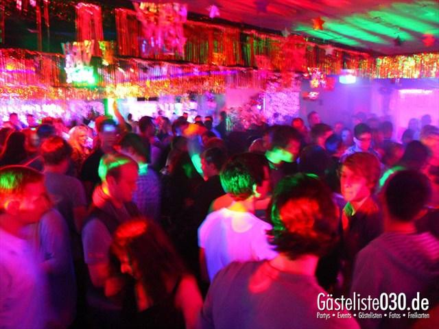 https://www.gaesteliste030.de/Partyfoto #33 Q-Dorf Berlin vom 30.12.2011
