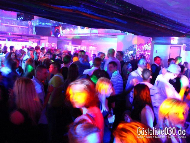 https://www.gaesteliste030.de/Partyfoto #153 Q-Dorf Berlin vom 09.12.2011