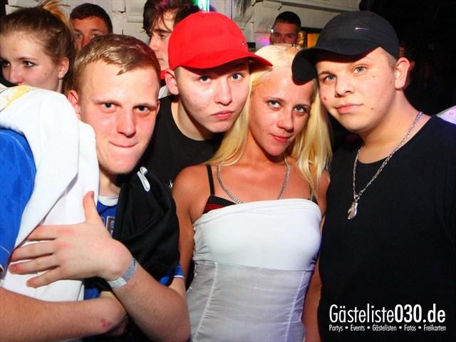 https://www.gaesteliste030.de/Partyfoto #148 Q-Dorf Berlin vom 04.04.2012